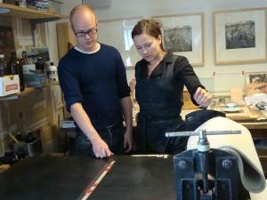 Anders Fredrikson og Anja Solvik i arbeid