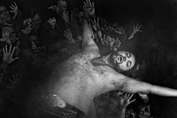 """Dyvik Husby fremstår mer som narkobaron enn frelser i """"Jesus Christ Superstar"""". (Foto Det Norske Teatret/Fredrik Arff)"""